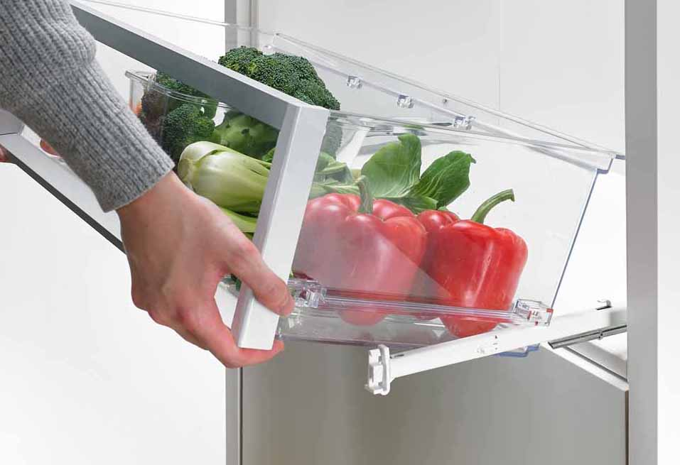 Full extension slides for Quadro Compact refrigerator and freezer drawers from Hettich