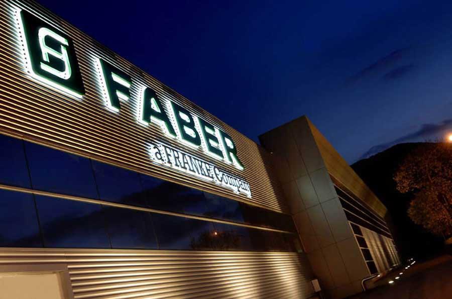 Faber festeggia 60 anni di tecnologia, ricerca e design al servizio della qualità dell'aria 0