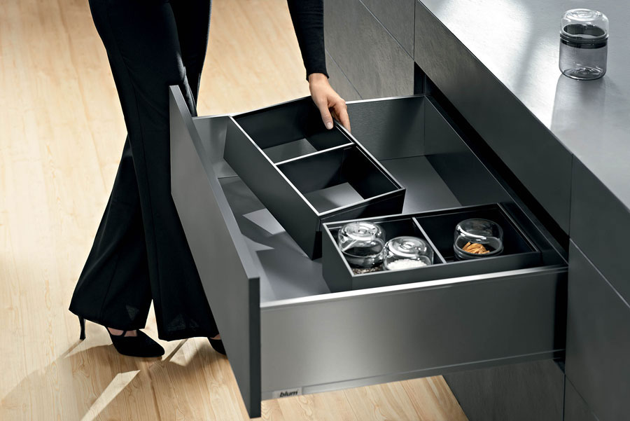 NEW BETWEEN SYSTEMS BOX BLUM: LEGRABOX, INNOVATIVE DESIGN AND FUNCTIONALITY BIG