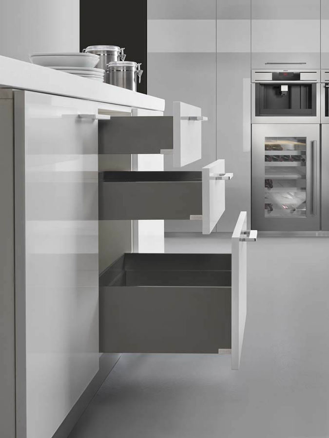 Lineabox, the new metal drawer system from Salice