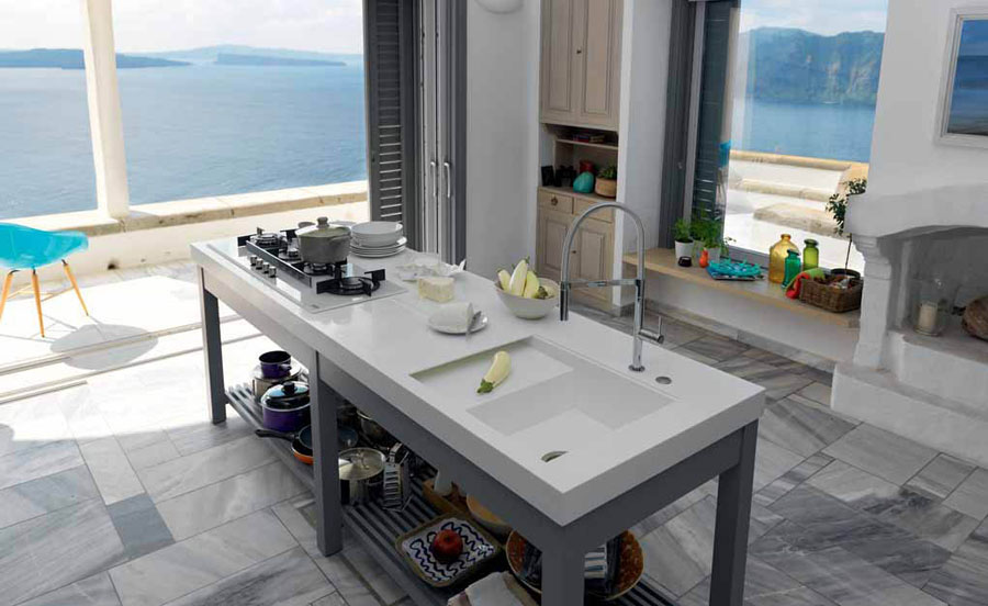 A kitchen totally designed by Franke: from the sink to the tailor-made worktop 596