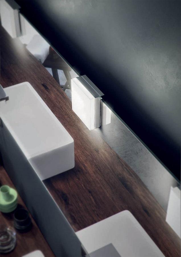 Gli apparecchi di illuminazione Loop e Pulse di Domus Bath 2