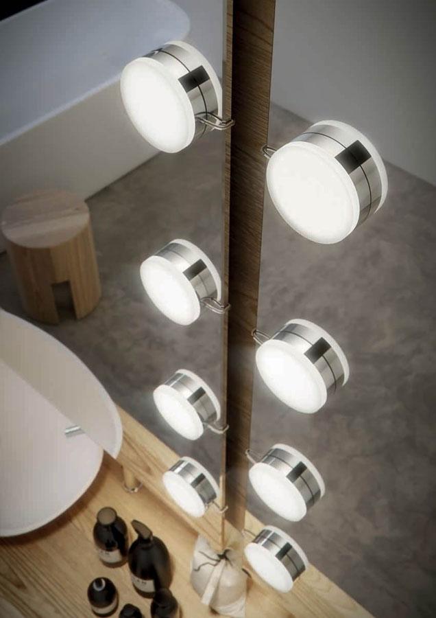 Gli apparecchi di illuminazione Loop e Pulse di Domus Bath 1
