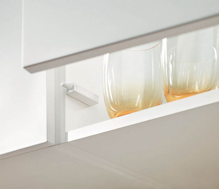 TIP-ON FOR DOORS BY BLUM