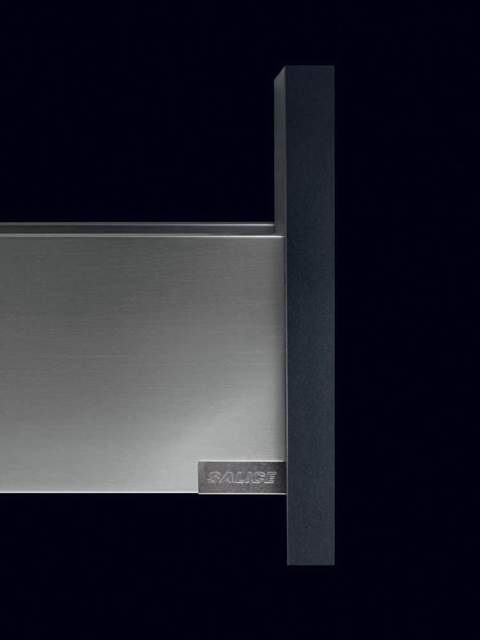 Lineabox, the new metal drawer system from Salice 1