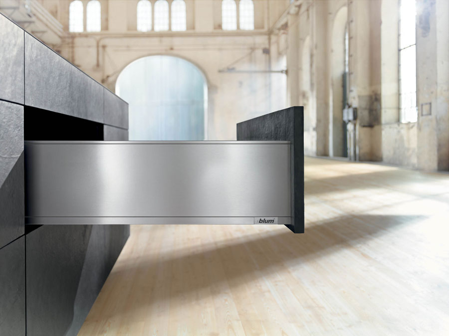 NEW BETWEEN SYSTEMS BOX BLUM: LEGRABOX, INNOVATIVE DESIGN AND FUNCTIONALITY BIG 1