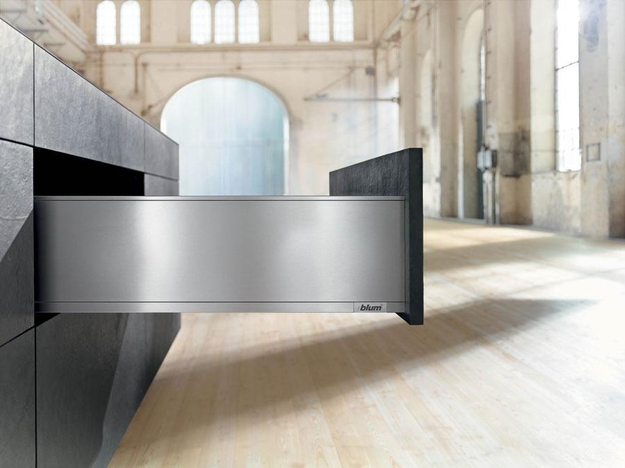 NOVITA' TRA I SISTEMI BOX DI BLUM: LEGRABOX, DESIGN INNOVATIVO E GRANDE FUNZIONALITA' 1