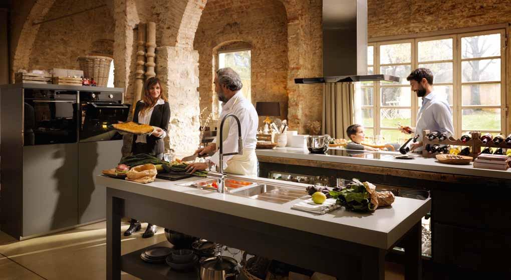 Collezione Frames by Franke: lavelli, piani cottura, forni, cappe ...