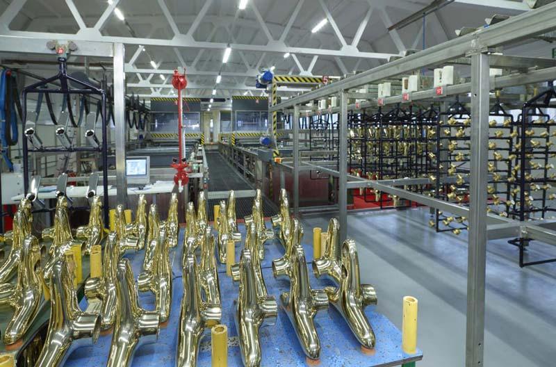FIMA Carlo Frattini présente la nouvelle installation galvanique, neutre en carbone