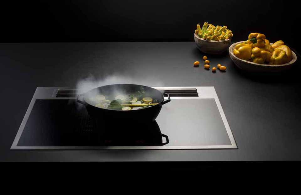 Sintesi by Falmec: an innovative cooking system with integrated aspiration