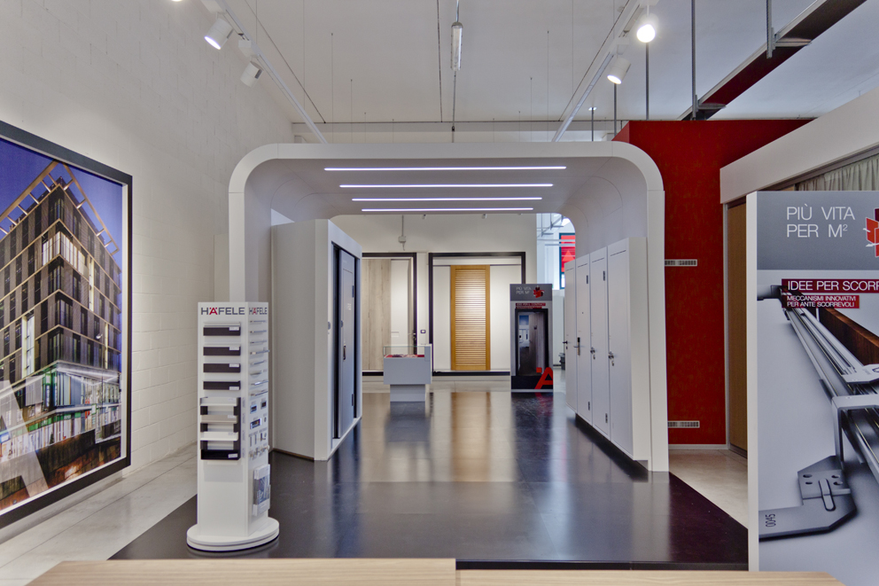 La sala de exposición de Häfele en Pesaro se renueva en sus contenidos y diseño
