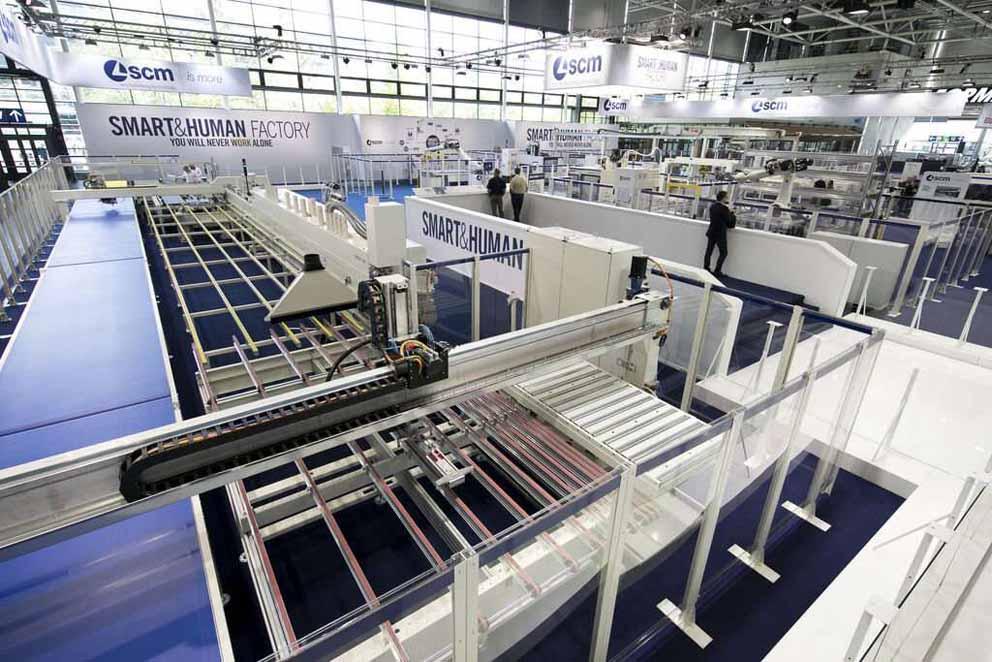 SCM präsentiert Smart Factory im menschlichen Maßstab in Ligna