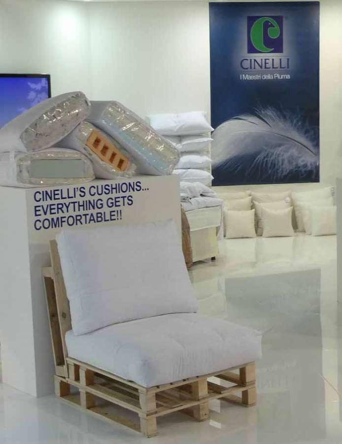 Cinelli Piume e Piumini: cuscini per il mondo dell'arredamento 2