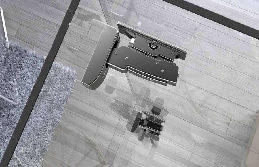 Cerniera Sensys di Hettich per applicazioni su vetro