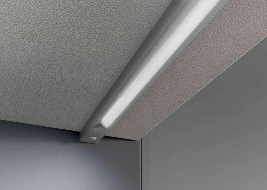 Blade di Domus Line: un profilo LED di superficie di soli 10mm di spessore 0