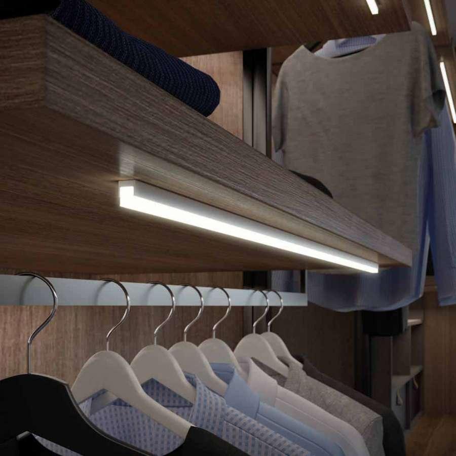 Apex 86 di Domus Line, profilo a LED in policarbonato