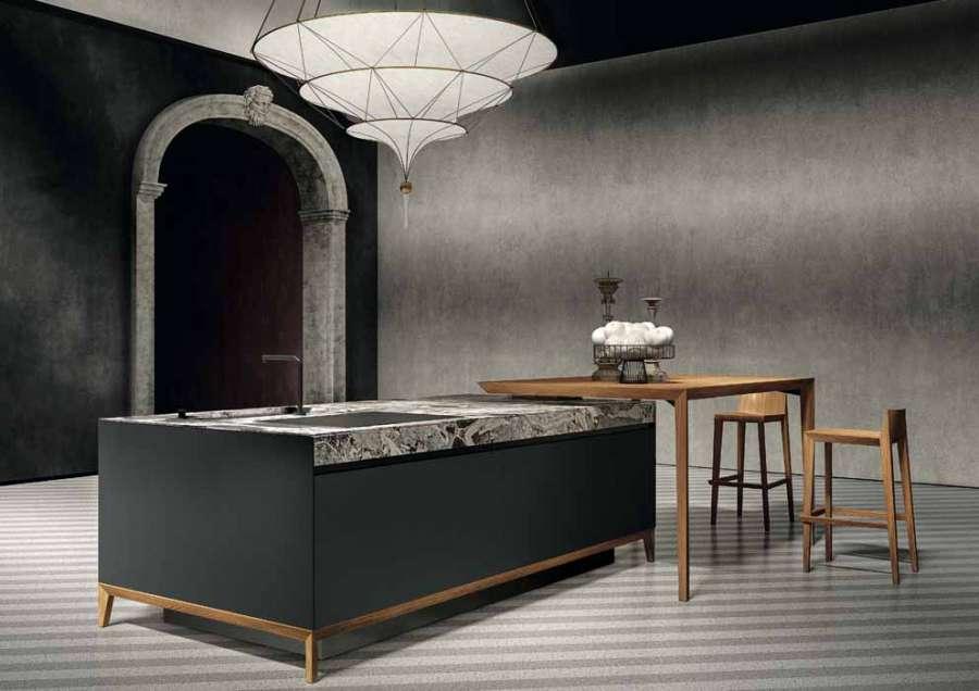 Cucina Sei di Euromobil, disegnata da Marc Sadler, nella versione con frontali in Fenix NTM® nero ingo