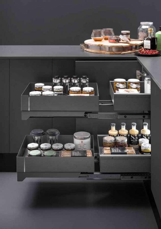 Soluzioni interne per mobili cucina Lamina di Vibo