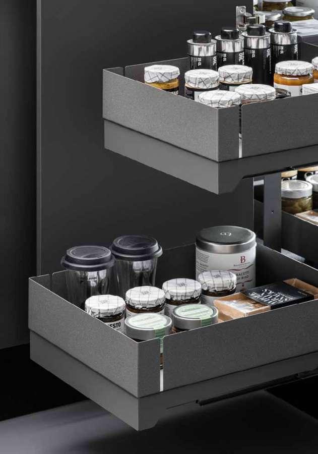 Soluzioni interne per mobili cucina Lamina di Vibo: in evidenza il design minimale