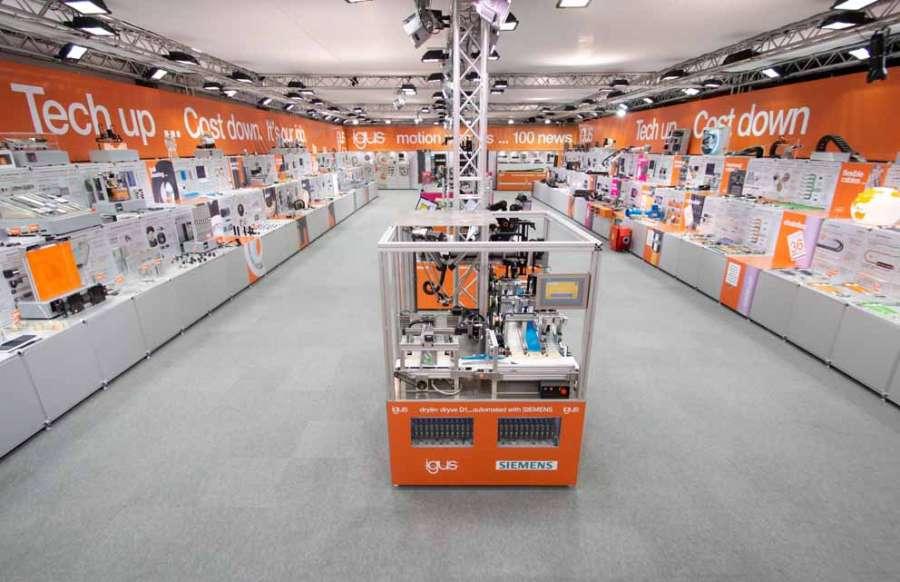 Visite virtuelle du stand du salon igus : plus de 100 nouvelles innovations dans le domaine des plastiques en mouvement