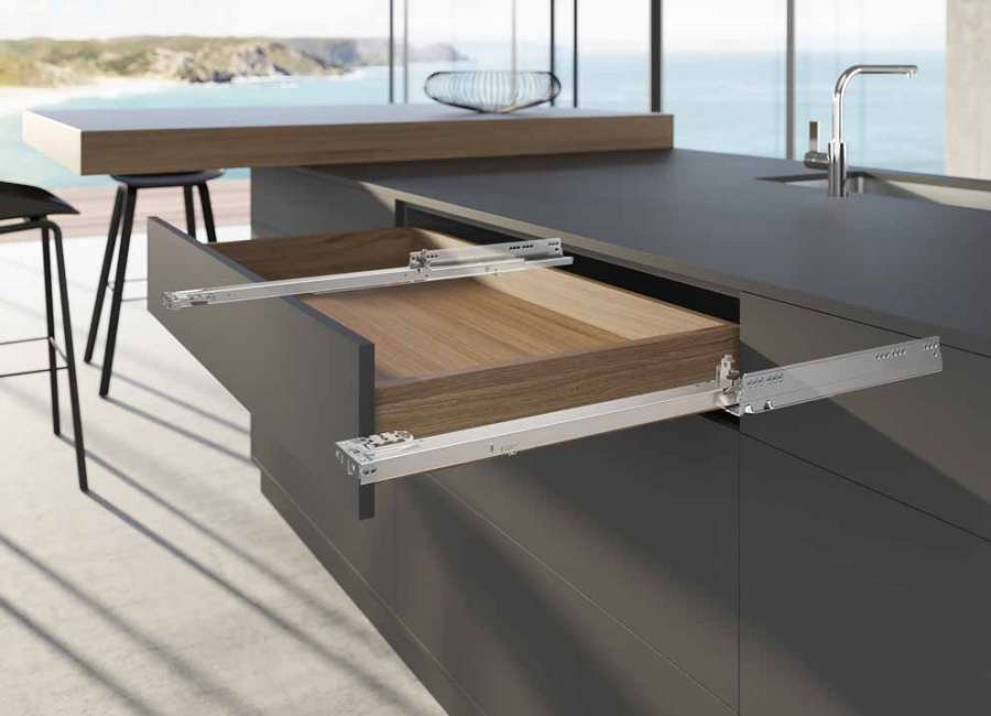 The new generation of Actro 5D slides guarantees high performance even for large drawers
