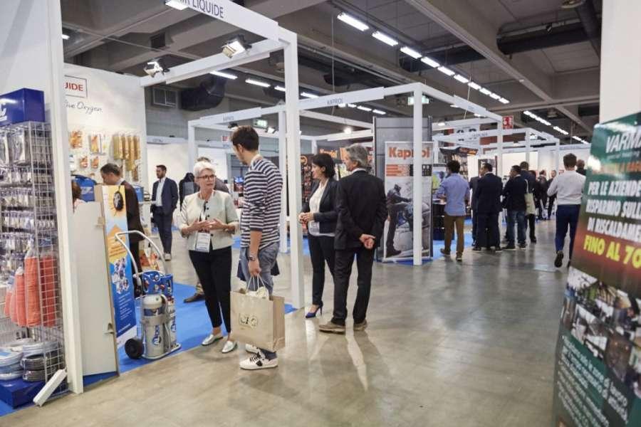 Hardware Forum 2017: convention exhibit of hardware 1