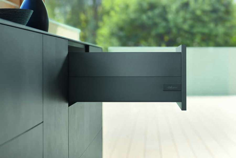 New colours and designs for Blum's Tandembox and Legrabox drawer systems 1