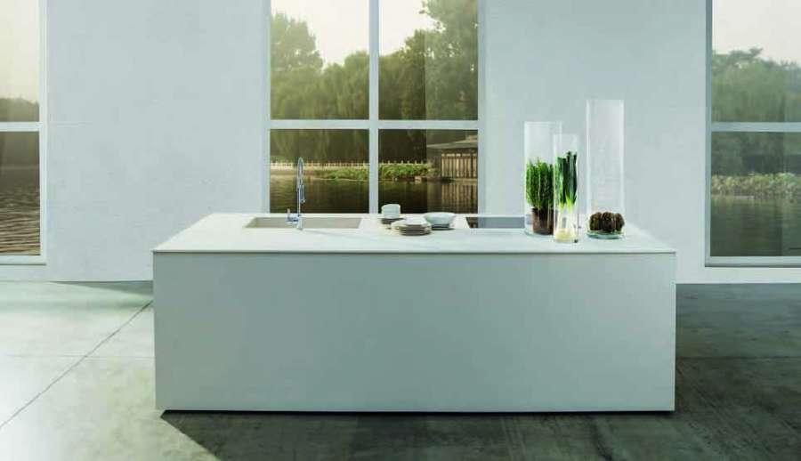 Laminam, ceramic slabs of large size and minimum thickness 0