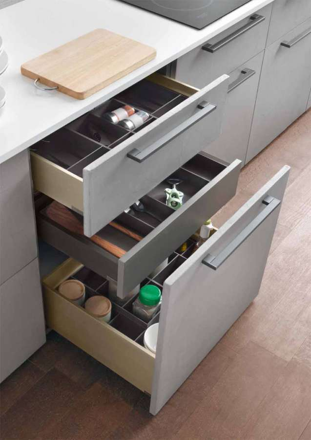 Salice Split container system: optimizing the interior space of the drawers 1