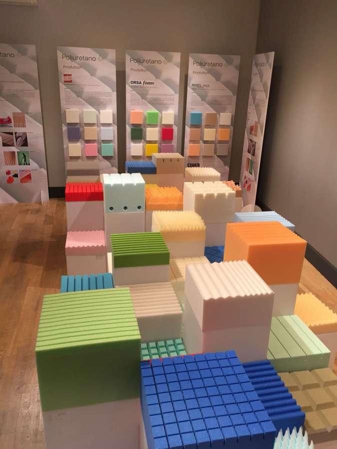 Die Installation von Poliuretano-è findet auf dem FuoriSalone Milano 2018 0