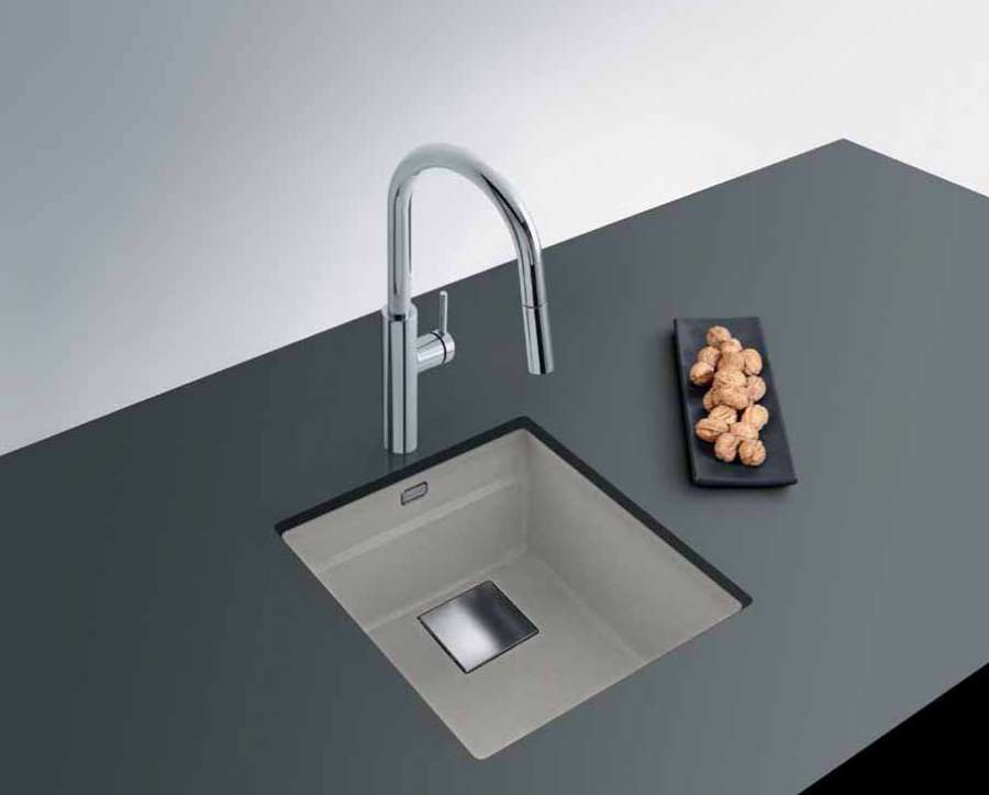 The super metallic colour collection for Franke Fragranite sinks 2