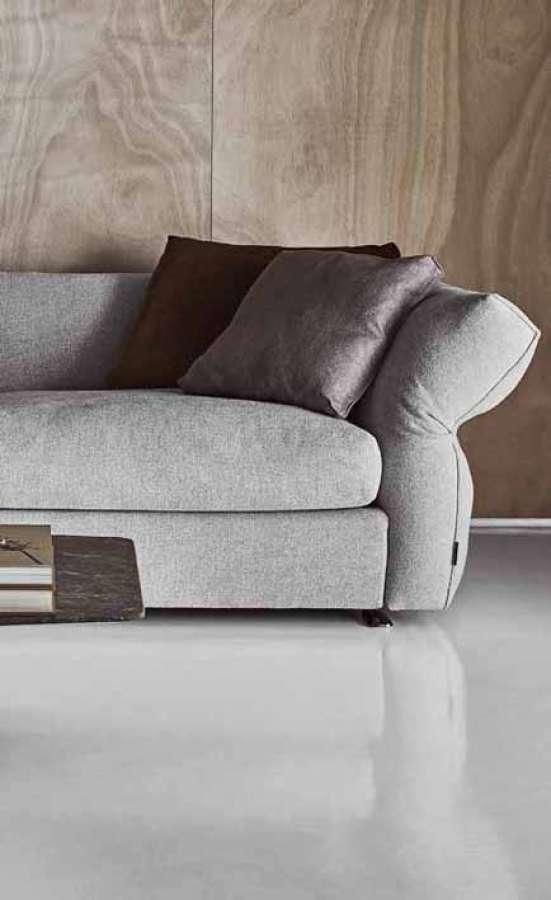 Italian Design Day 2020 - das Sofa Newbridge, Entwurf Carlo Colombo, hergestellt von Flexform