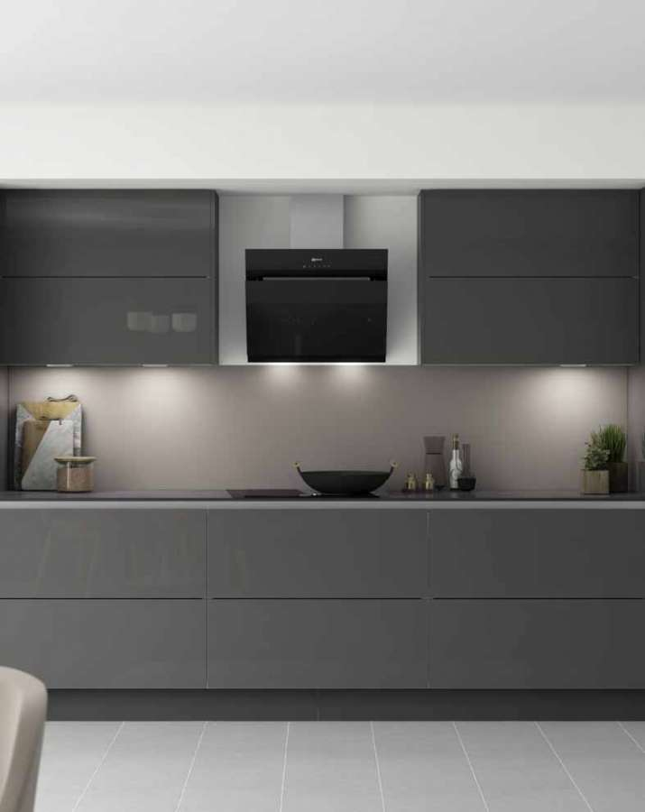 Häfele AluSplash® kitchen wall panels are an elegant and easy-to-install solution.