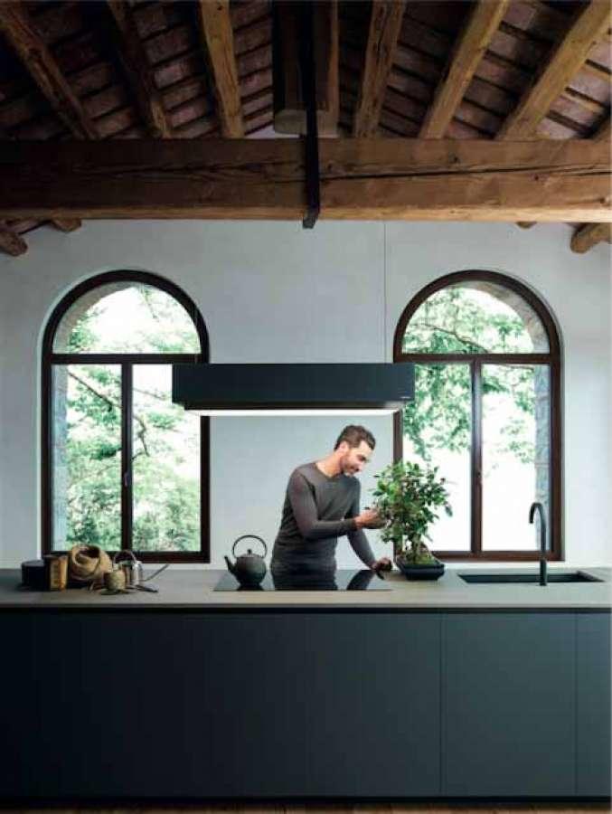 La cappa per cucina Levante nella nuova finitura grafite