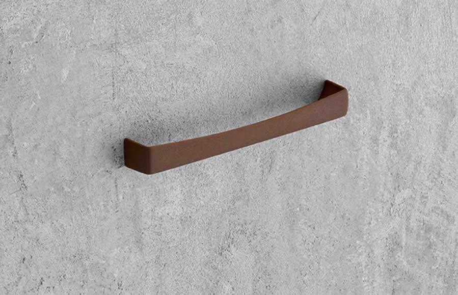 Maniglie per mobili marella design marchio di roberto for Maniglie mobili bagno