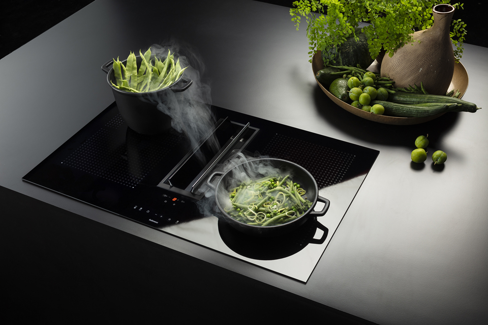 The new Quantum hood by Falmec: suction and cooking in one unit