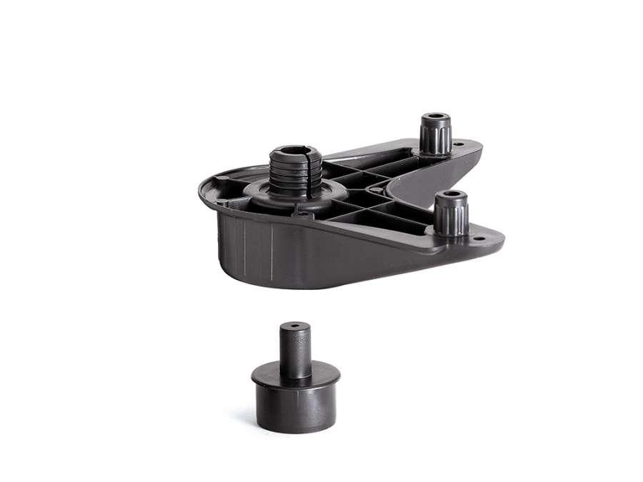 Dreieckige Küchenschrank-Fußplatte 230 Ø 16 von Unionplast