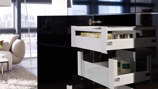 hettich italia k chenzubeh r m belbeschl ge bewegungssysteme treviso. Black Bedroom Furniture Sets. Home Design Ideas